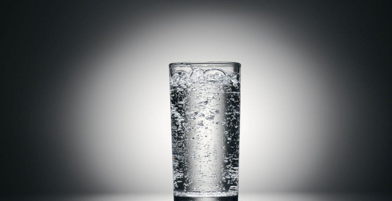 Butelka z filtrem węglowym